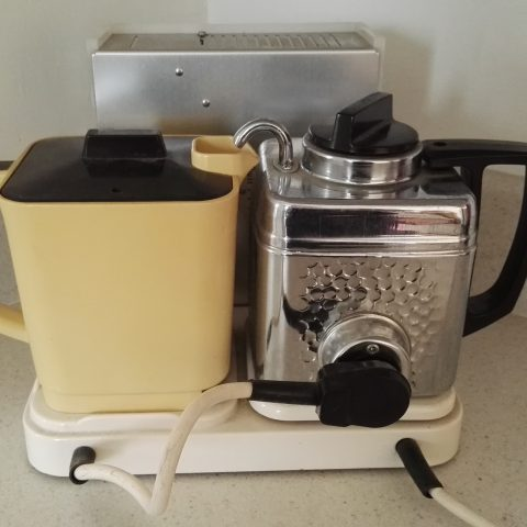 Goblin 854 with Noryl teapot